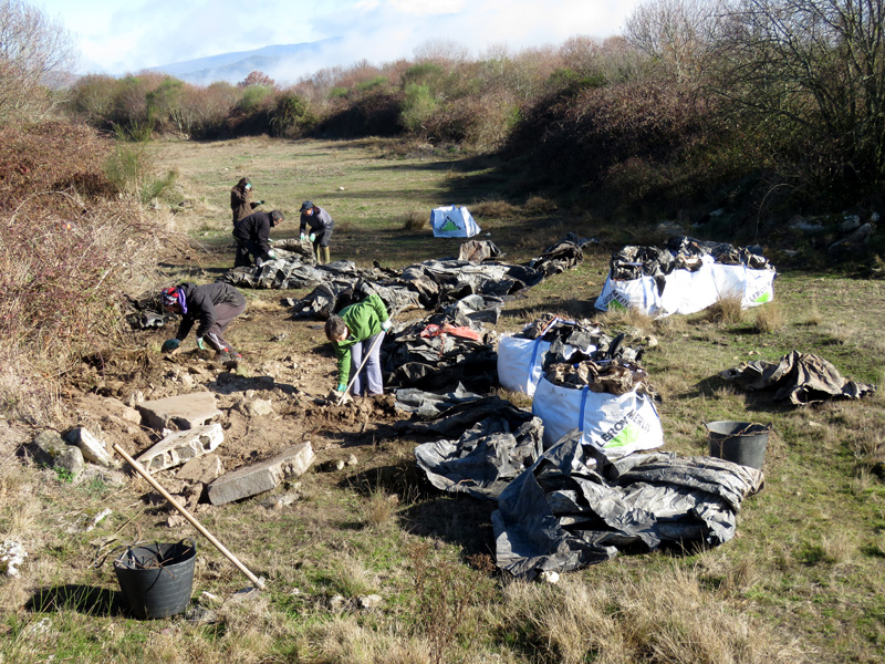 Limpeza Veiga de Gomareite 2017-12-02. Plasticolítico